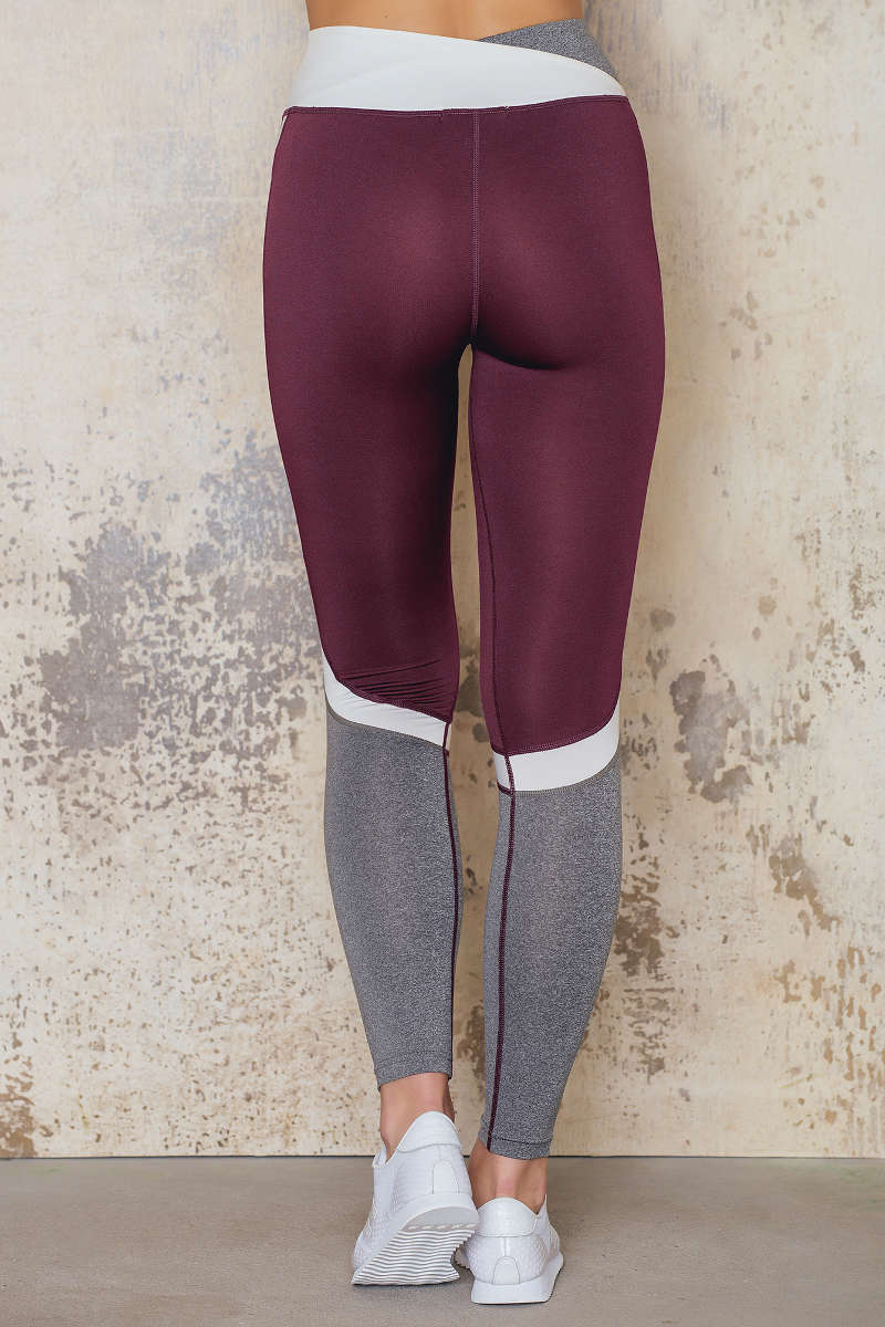 sanne_alexandra_shop_sports_bra_1059-000033-0212-_-tights_1059-000035-0212-8974